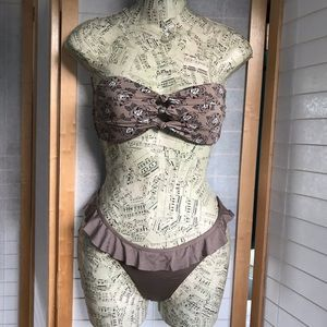 Volcom Swim - NWOT Sz M Volcom bikini light brown pattern ruffle